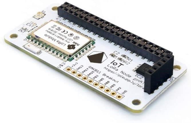 Nodo LoRa soldado a una placa adaptadora para Raspberry Pi.